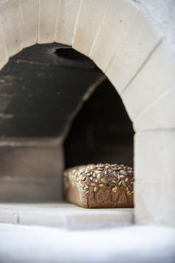 leib sai valmis, küpsetasime pizzaahjus