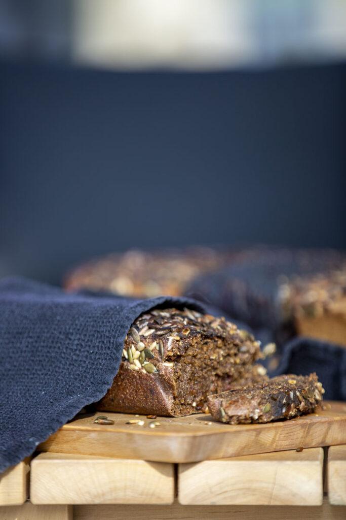 värske leib, mis küpsenud pitsaahjus, on ka teistsuguse maitsega