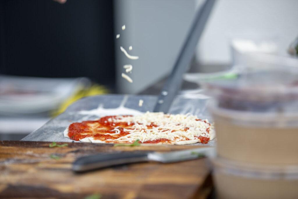 Kodune pitsavalmistamine - ettevalmistused enne ahju panemist