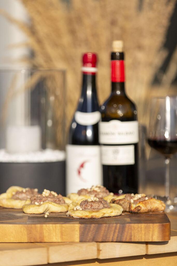 pitsaahi ja veinid